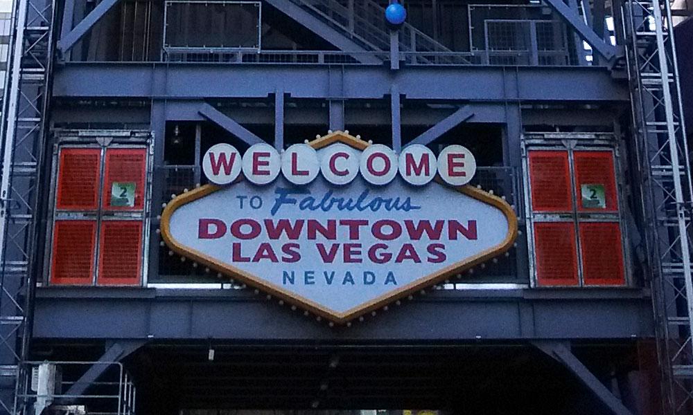 Vacation fonts: the famous Las Vegas sign