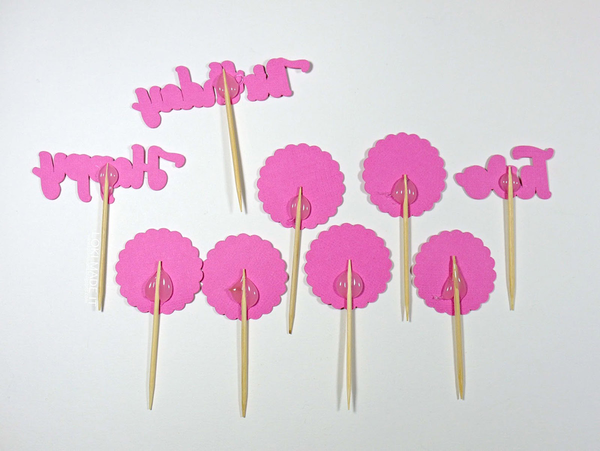 Glue design to toothpicks