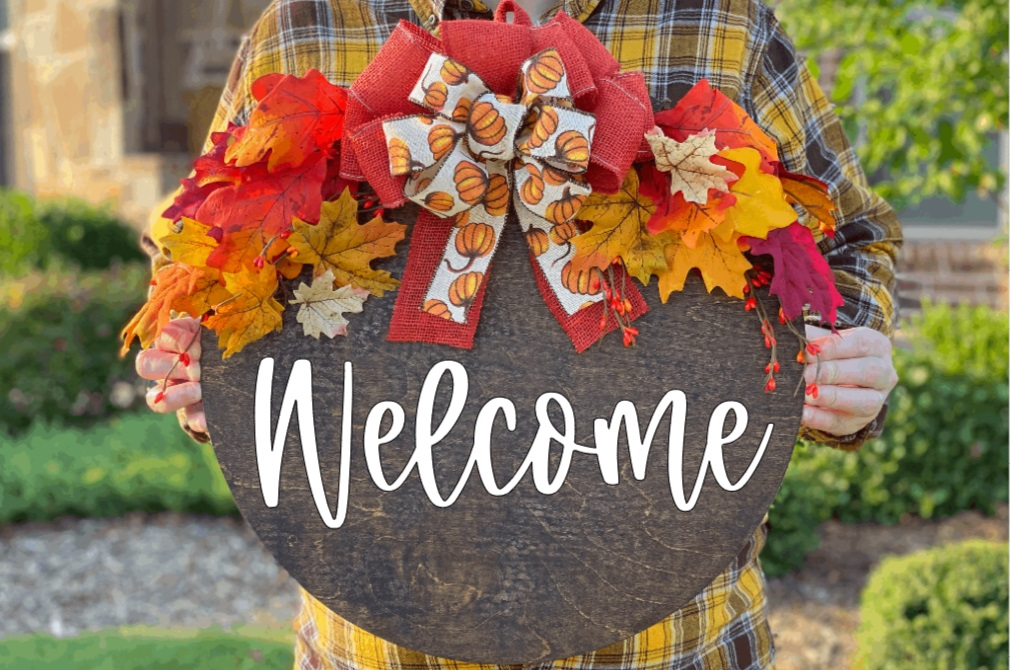 3 Eye-Catching Fall Decor DIY Tutorials for Your Home 14
