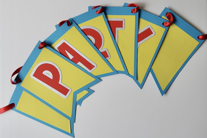 How to Make Your Own Bunting for Parties and Celebrations! 11