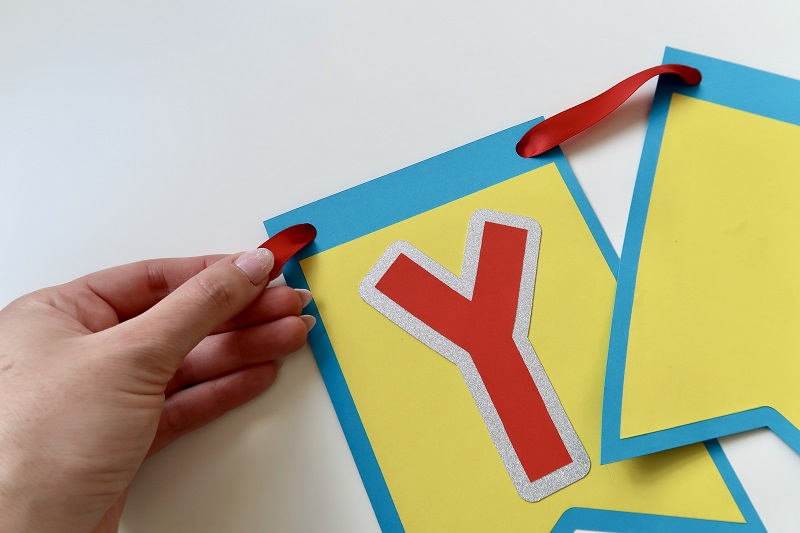 How to Make Your Own Bunting for Parties and Celebrations! 10